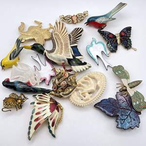 Lot # 111 - Vintage Brooches