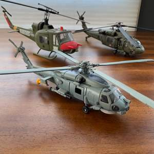 Lot # 282 - Die cast helicopters