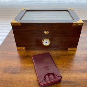 Lot # 294 - Cigar humidor and carrier