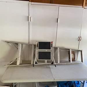 Lot # 389 - Folding stepstool and 6' aluminum ladder