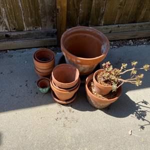 Lot # 423 - Terra-cotta pots