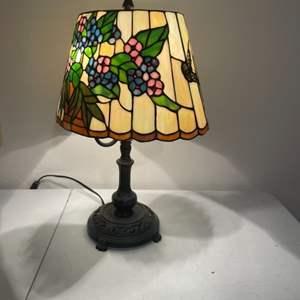 Lot # 7 - Tiffany Style Lamp