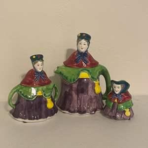 Lot # 10 - Vintage Queensware Tea Pot, Creamer and Sugar Containers