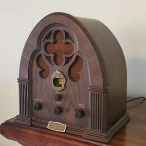 Lot # 31 - Vintage Philco Special Edition Radio