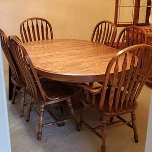 Lot # 50 -  Solid Oak  Dining Table with Removable Leaf and 6 Chairs