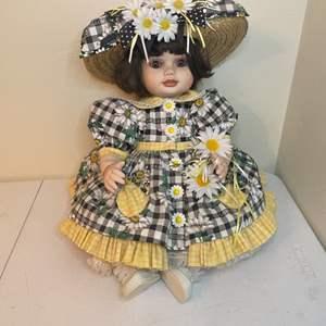 Lot # 85 - 1997 Marie Osmond Olive May Springtime Toddler