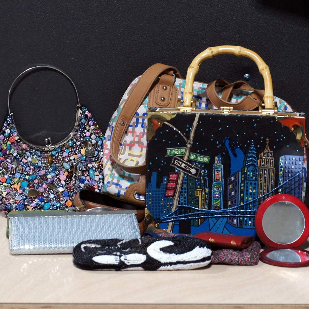 Lot # 253 - Assorted Purses and Pouches (main image)