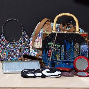 Lot # 253 - Assorted Purses and Pouches
