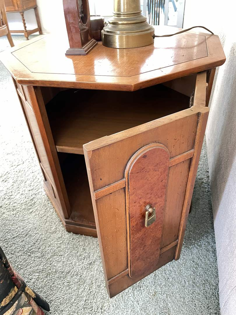 Lot # 4 - Vintage Drexel Octagon Side Table (Table Only)  (main image)