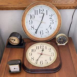Lot # 140 - (5) Clocks