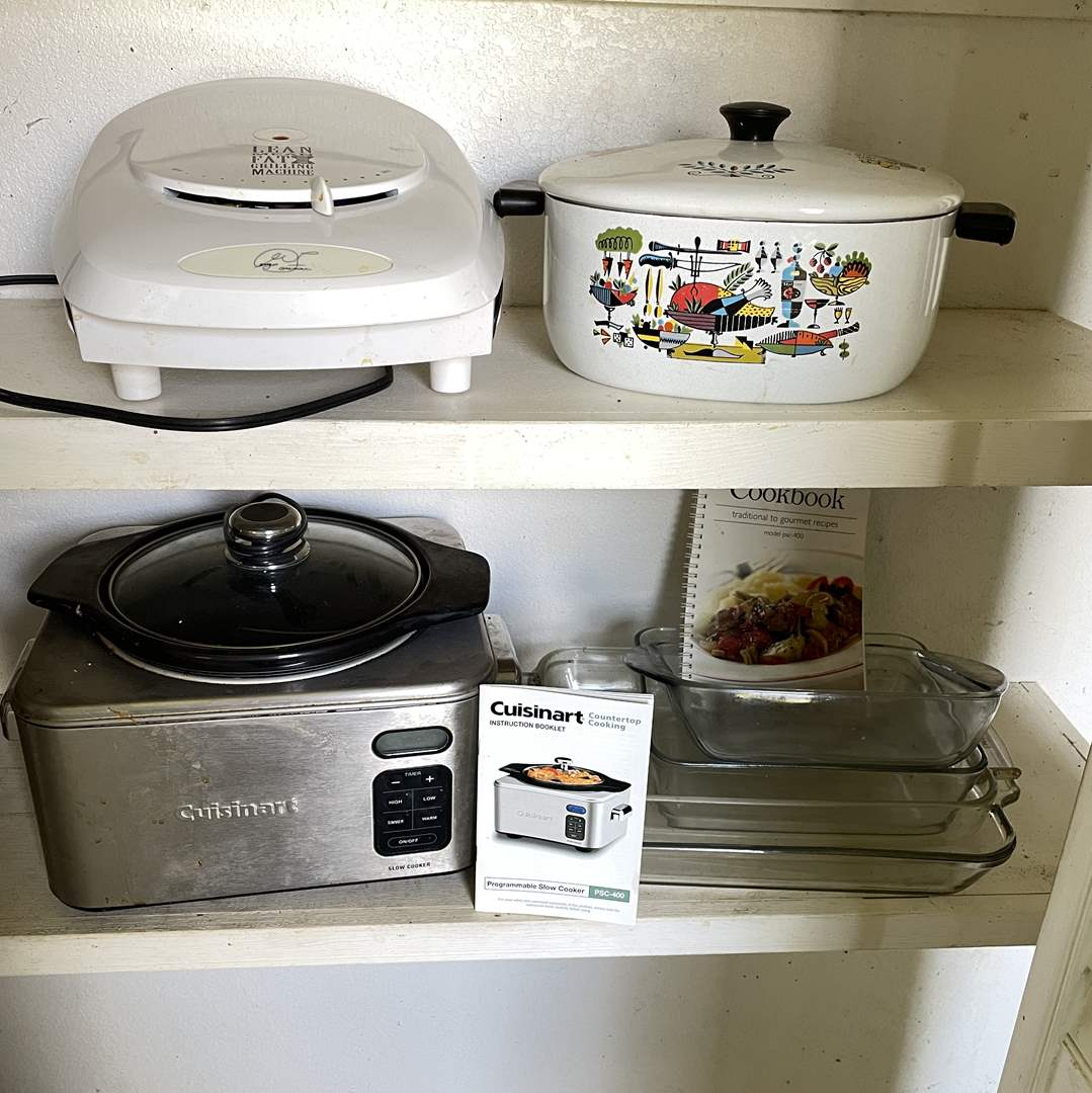 Lot # 144 - Cuisinart Slow Cooker, George Foreman Grill, Pyrex and Vintage Dutch Oven (main image)