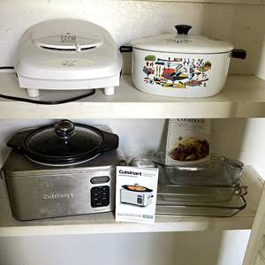 Lot # 144 - Cuisinart Slow Cooker, George Foreman Grill, Pyrex and Vintage Dutch Oven