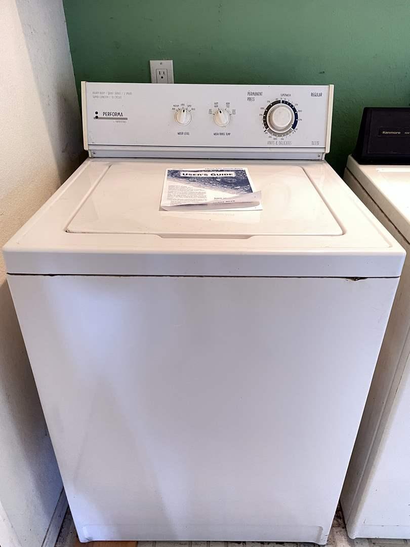 Lot # 148 - Maytag Performa PAV 1000 Clothes Washer (main image)