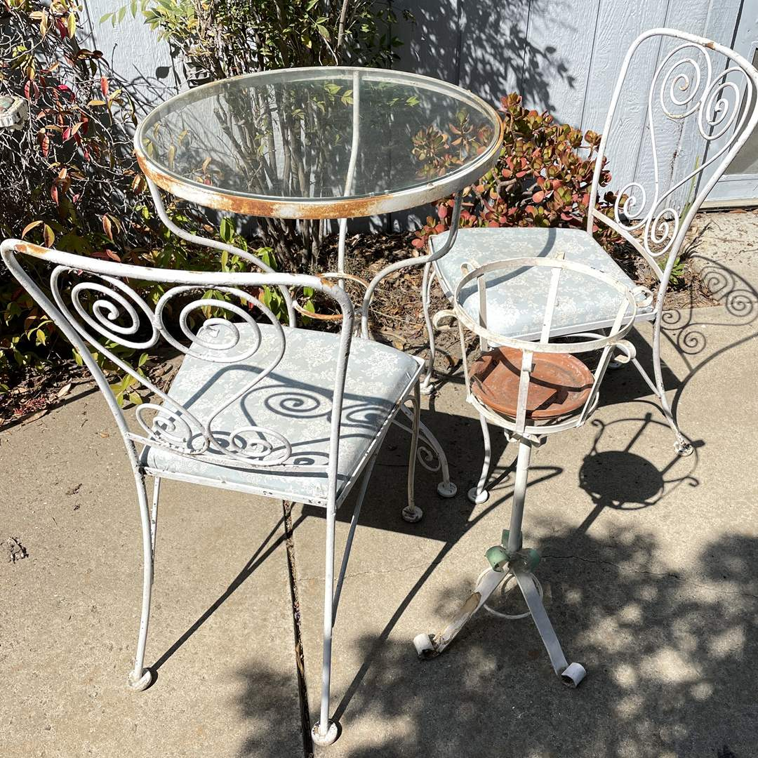 Lot # 159 - 3-piece bistro set, vintage Metal Chair, table and plant stand  (main image)