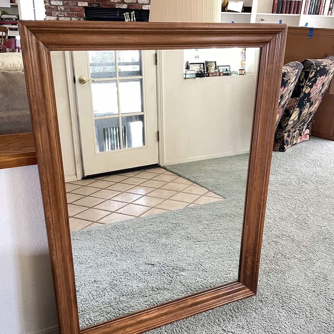 Lot # 164 - Gorgeous Quality Ethan Allen Mirror (main image)
