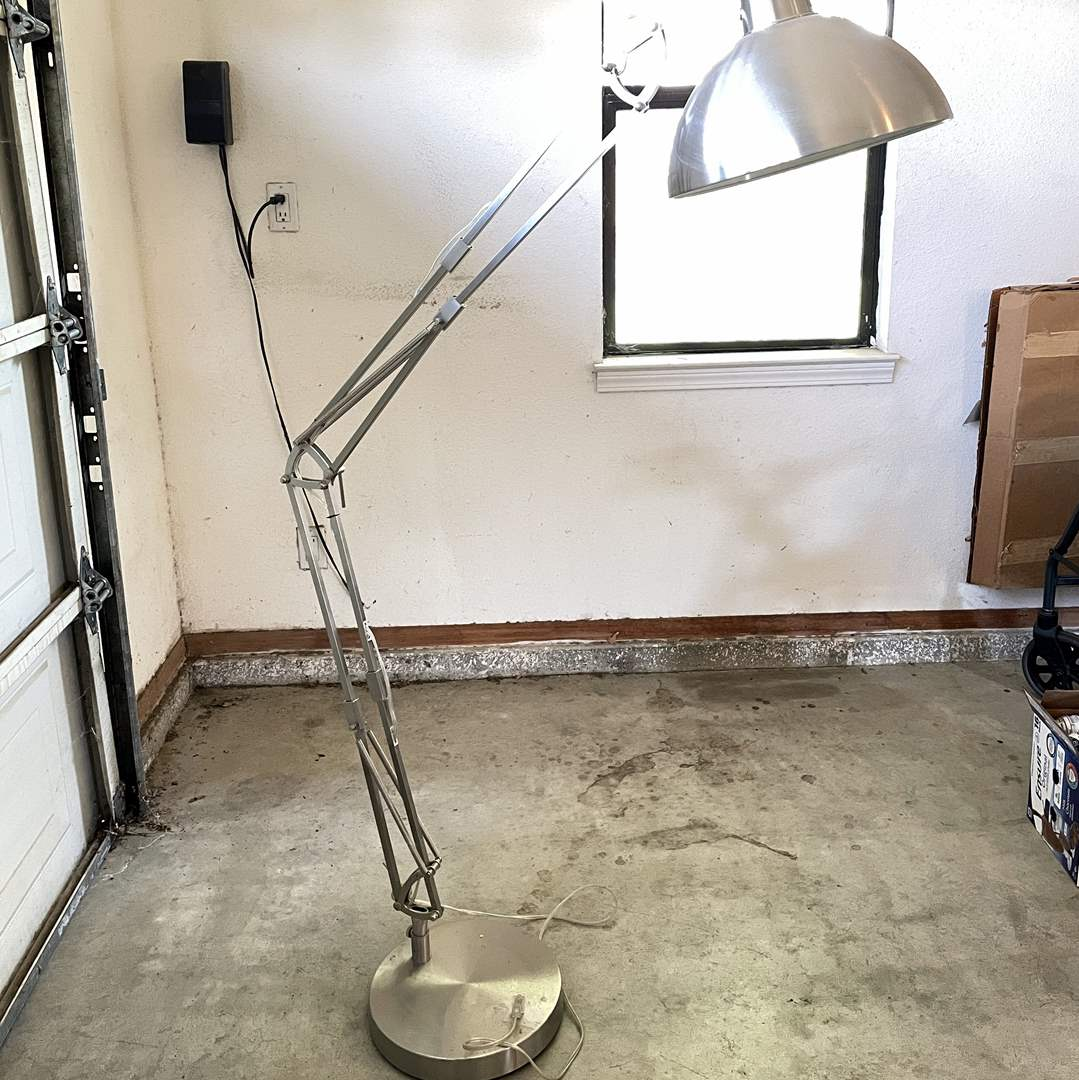 Lot # 207 - Large Adjustable Floor Lamp (main image)