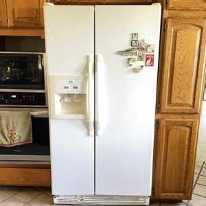 Lot # 220 - Whirlpool Inglis Refrigerator Freezer Combo