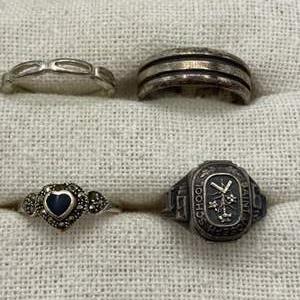 Lot #  21 - Sterling rings (15.7g)