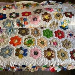Lot #  87 - Impeccably hand stitched quilt needs to be finished