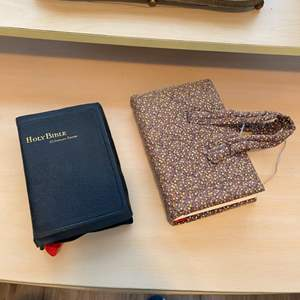 Lot # 104 - Two Bibles, NIV with handled cover and 1927 King James Version S.S. Scholars Edition