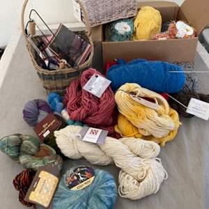 Lot # 145 - Selection of varied yarns