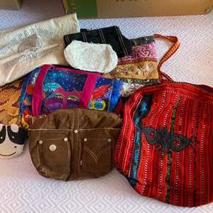 Lot # 168 - Purses & bags