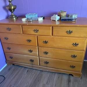 Lot # 197 - Vintage maple Dresser