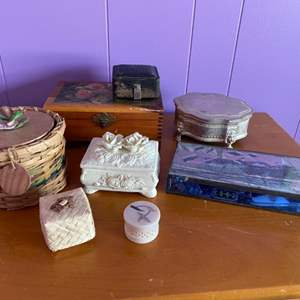 Lot # 201 - Trinket boxes with costume jewelry