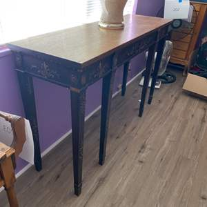 Lot # 205 - Hall table with lamp