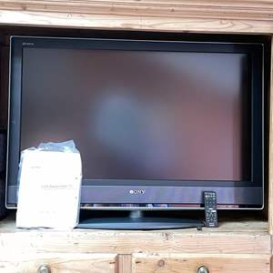 """Lot # 10 - 40"""" Sony Bravia Television, Remote, Manual and Power Strip"""