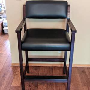 Lot # 79 - Like New Backed Bar Chair