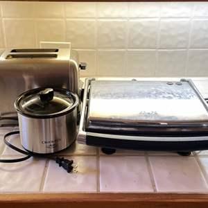 Lot # 98 - Krups Panini Press, Cuisinart Toaster, Mini Crockpot