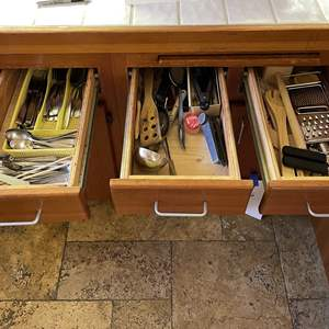 Lot # 90 - 3 Drawers of Kitchen Utensils/Tools