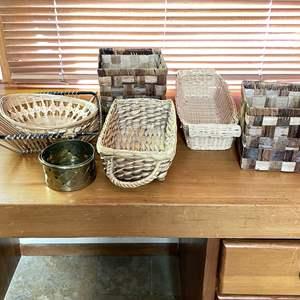 Lot # 104 - Assortment of Baskets