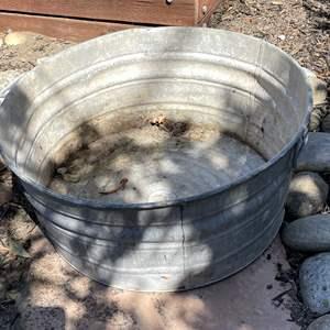 Lot # 120 - Huge Metal Washbasin, Instant Pond, Dog Bath…