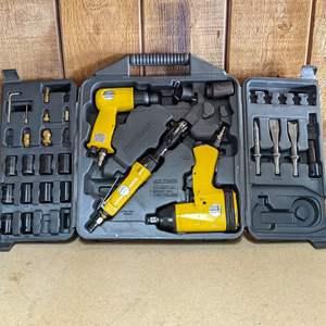 Lot # 178 - Automotive Hurricane Pneumatic Air Tools Kit