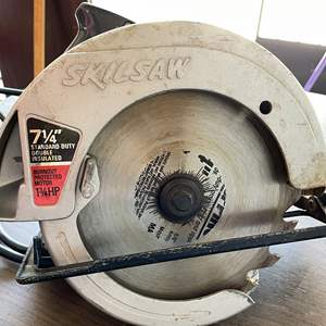 Lot # 205 - Working SkilSaw 7 1/4 Circular Saw 574