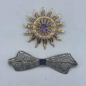 Lot # 9 - 10k white and yellow gold and .70ctw amethyst brooches (5.7g total weight)