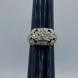 Lot # 15 - Cocktail ring 14k gold (3.5g) .25c diamond