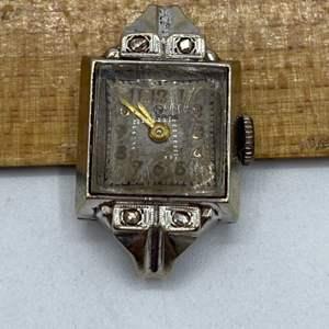 Lot # 24 - 14k Gold watch -runs-