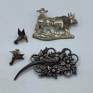 Lot # 25 - Sterling pins and earrings (18.4g)