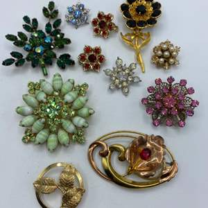 Lot # 64 - Brooches