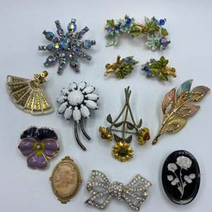 Lot # 65 - Brooches