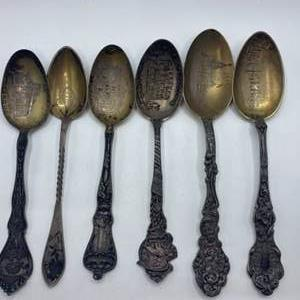 Lot # 79 - Sterling spoons ( 114.9g)