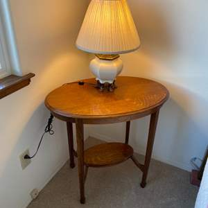 Lot # 98 - Vintage occasional table with lamp