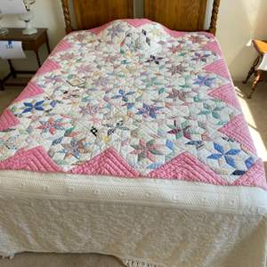 Lot # 129 - Queen bed; mattress, boxspring, headboard and bedding