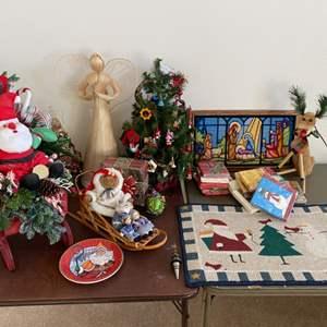 Lot # 131 - Christmas goods