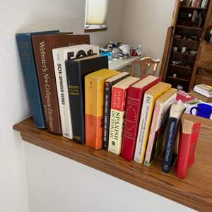 Lot # 172 - English, Spanish and German Language Books
