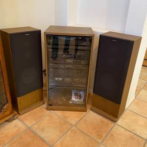 Lot # 213 - Sony complete stereo set up with speakers and phonograph(Works well)