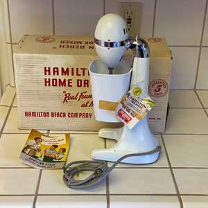Lot # 228 - Vintage Hamilton Beach shake mixer